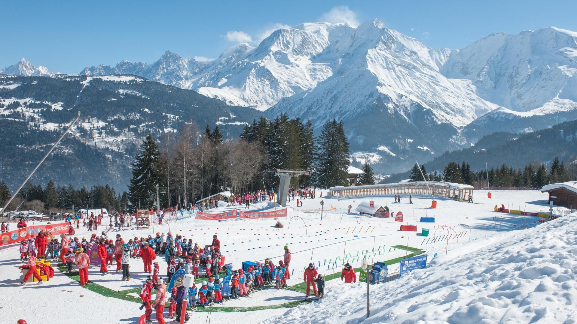 Jardin des Neiges de l'ESF face au massif du Mont-Blanc
