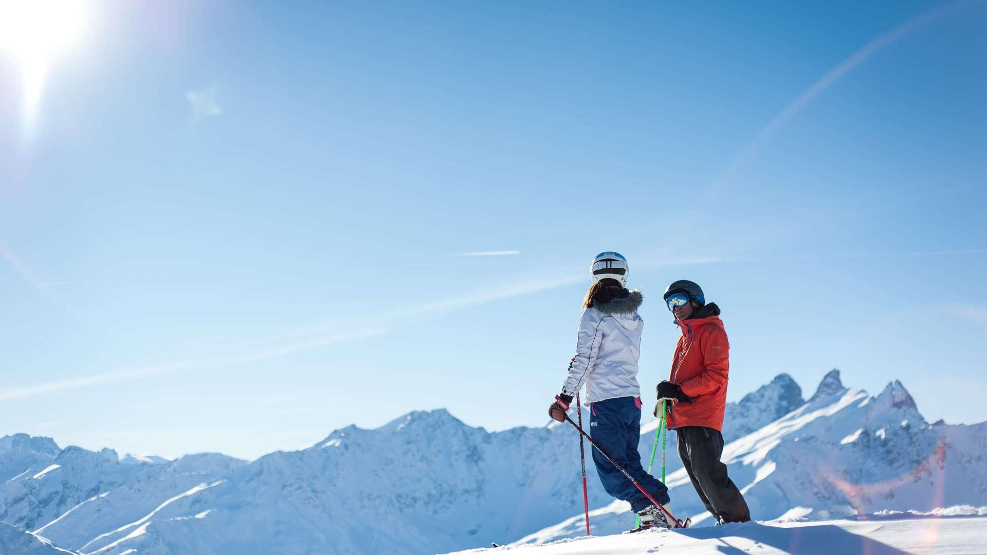Ski de Piste à Valloire vue sur les Aiguilles d'Arves