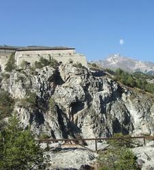 La Haute-Maurienne, villages traditionnels et forts militaires