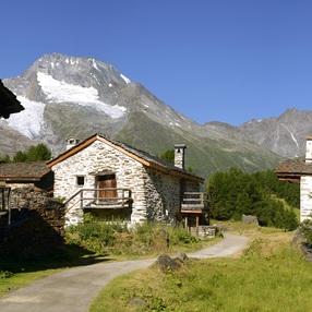 Le village du Monal