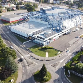 Halle Olympique image
