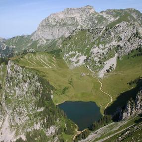 Lac d'Arvouin image
