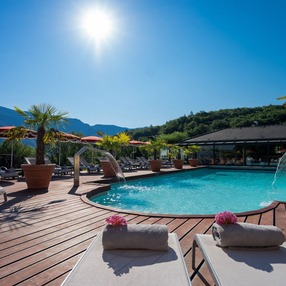 H tels annecy avec piscine couverte savoie mont blanc for Hotel piscine annecy