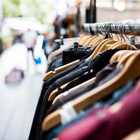 Un shopping autrement : salon des artisans, des créateurs et de la vente à domicile