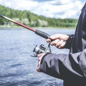 Camp Pêche en Lac de Montagne