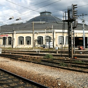 SNCF roundhouse image