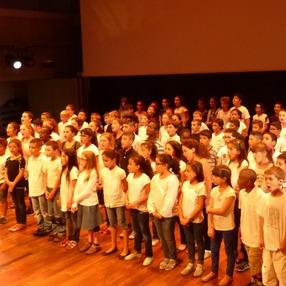 Elèves en scène : chorale  d'enfants