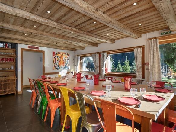 L'Armanaz - Salle de restaurant
