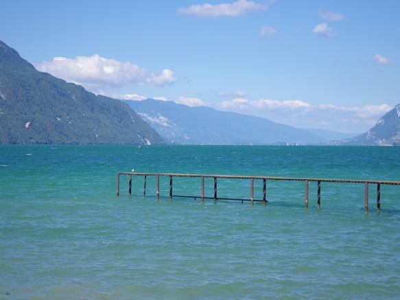Ponton sur le lac du Bourget