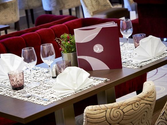 Présentation_table_Restaurant _Aix_Les_Bains_5ème Sens