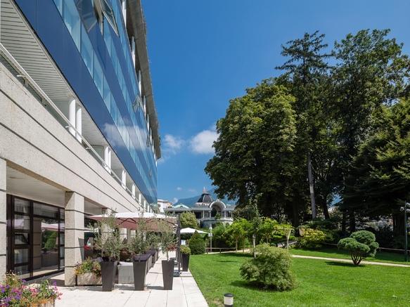 Extérieur_Hotel_Restaurant_Aix_Les_Bains_Golden Tulip