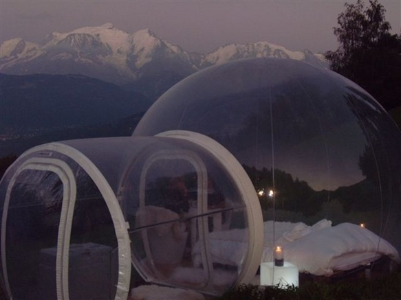 une nuit insolite dans la bulle nuit nature savoie mont blanc savoie et haute savoie alpes. Black Bedroom Furniture Sets. Home Design Ideas