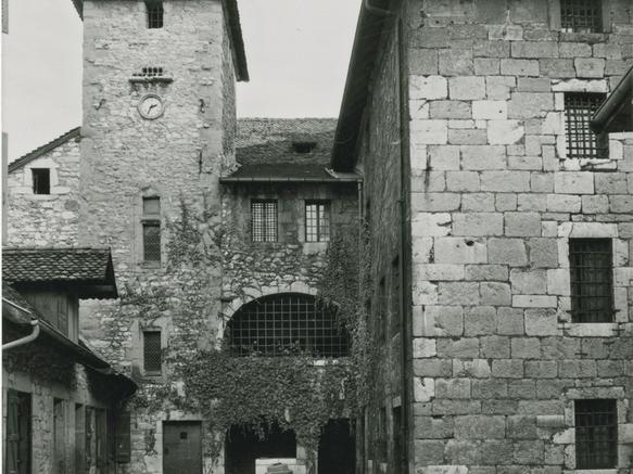 Annecy, Palais de l'Ile depuis l'île
