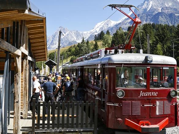 Tramway du mont blanc in saint gervais les bains french - Office de tourisme saint gervais les bains ...