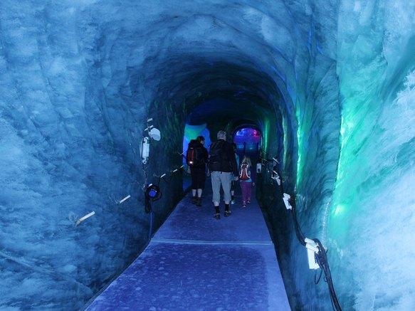 Entrée de la grotte de glace