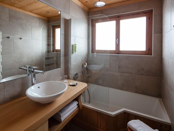 Salle de bain suite junior