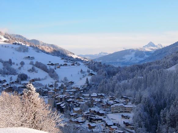 Flumet village