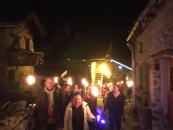 bonneval-sur-arc-visite-village-flambeaux