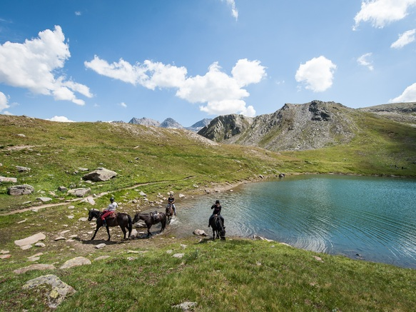 valfrejus-balade-a-cheval-lac-sainte-marguerite
