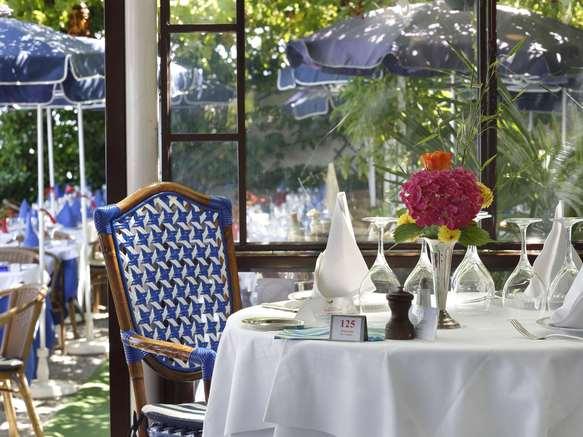 Hôtel Les Cygnes (restaurant veranda)
