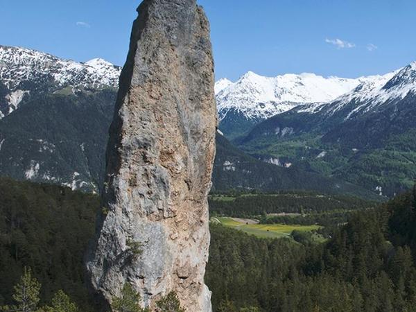 Le Monolithe de Sardières image