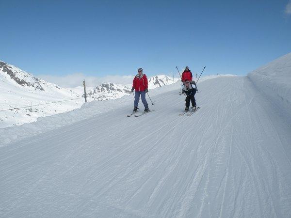 Course de ski par équipe image