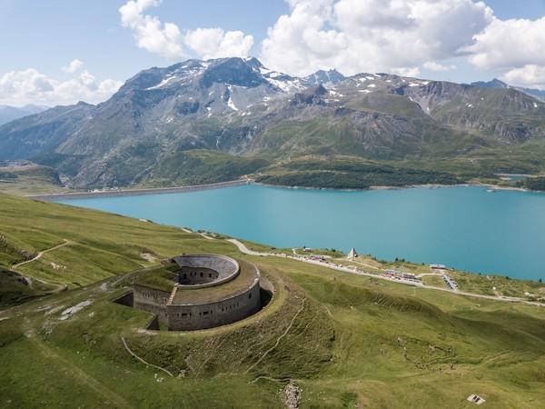 Col et Lac du Mont-Cenis image