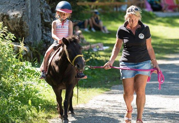 Balade à poney au Lac de Montriond