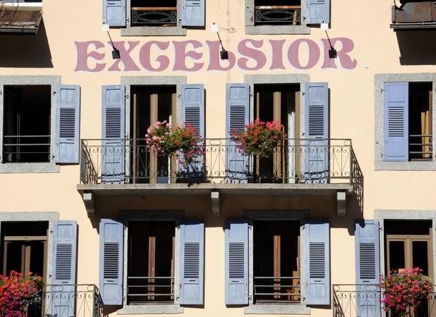 Excelsior facade 2
