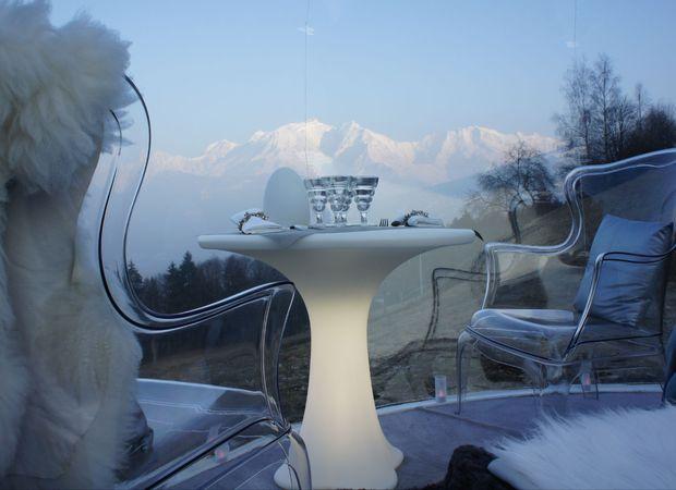 La Bulle - repas en été face au Mont-Blanc