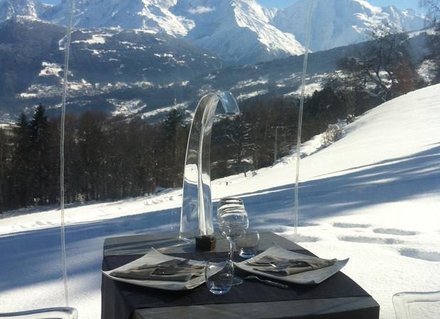 La Bulle - repas face au Mont-Blanc