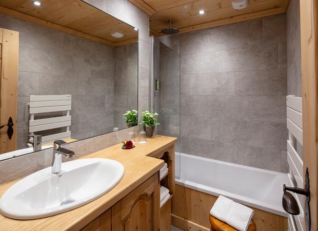 Salle de bain chambre triple