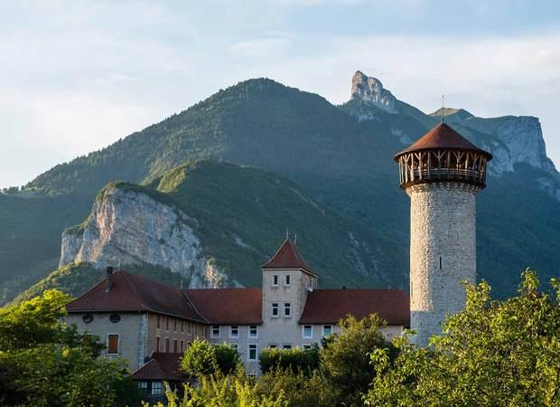 Château de Faverges vue montagne