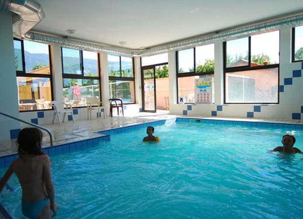 camping-colombiere-piscine