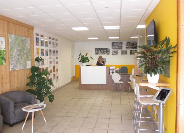 Vue d'ensemble accueil bureau d'informations touristiques des Eaux Claires