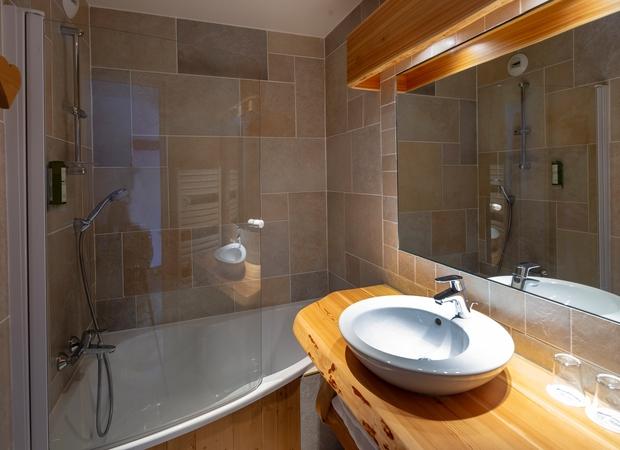 Salle de bain studio de 3 personnes