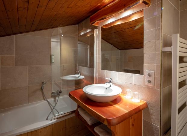 Salle de bain chambre studio communicant