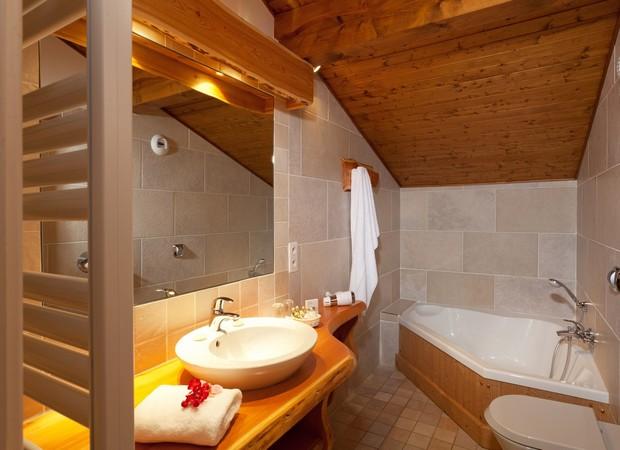 salle de bain.hôtel neige et roc