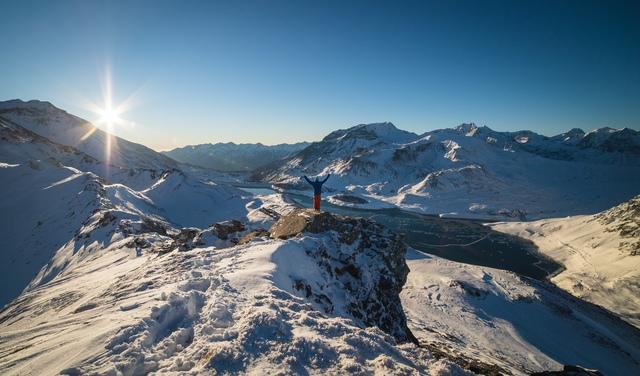 Val Cenis paysage hiver sommets enneigés