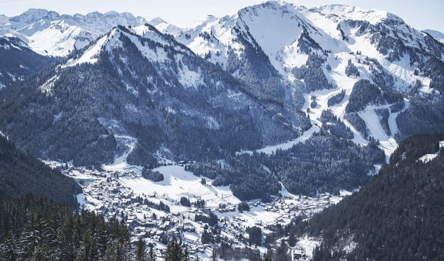Village de Châtel sous la neige