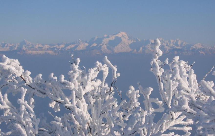 Vue panoramique depuis le plateau de Sur Lyand en hiver