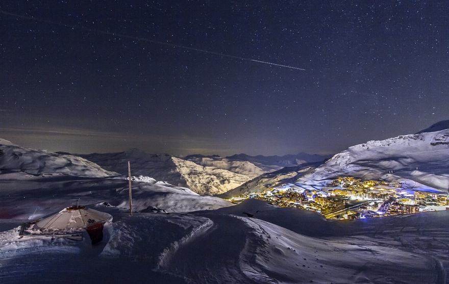 val tho by night