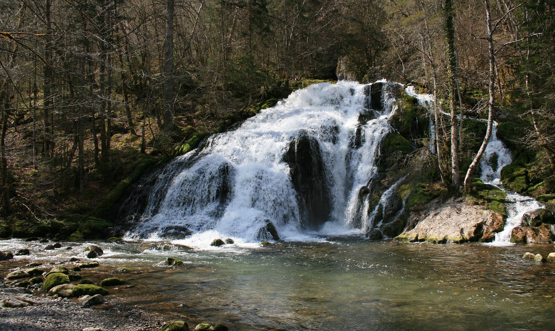 Cascade du pissieu savoie mont blanc savoie et haute - Office du tourisme les contamines montjoie 74 ...