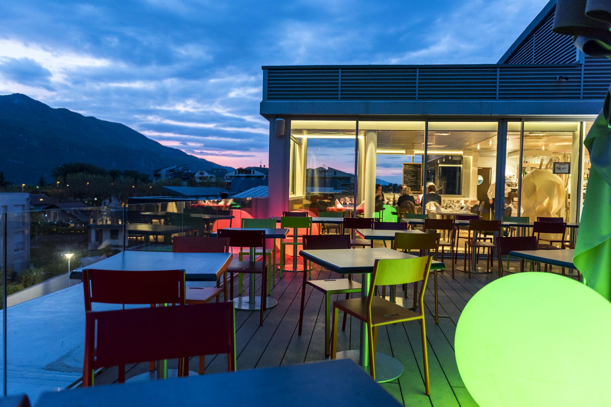 Best western aquakub savoie mont blanc savoie et haute for Office du tourisme aix les bains