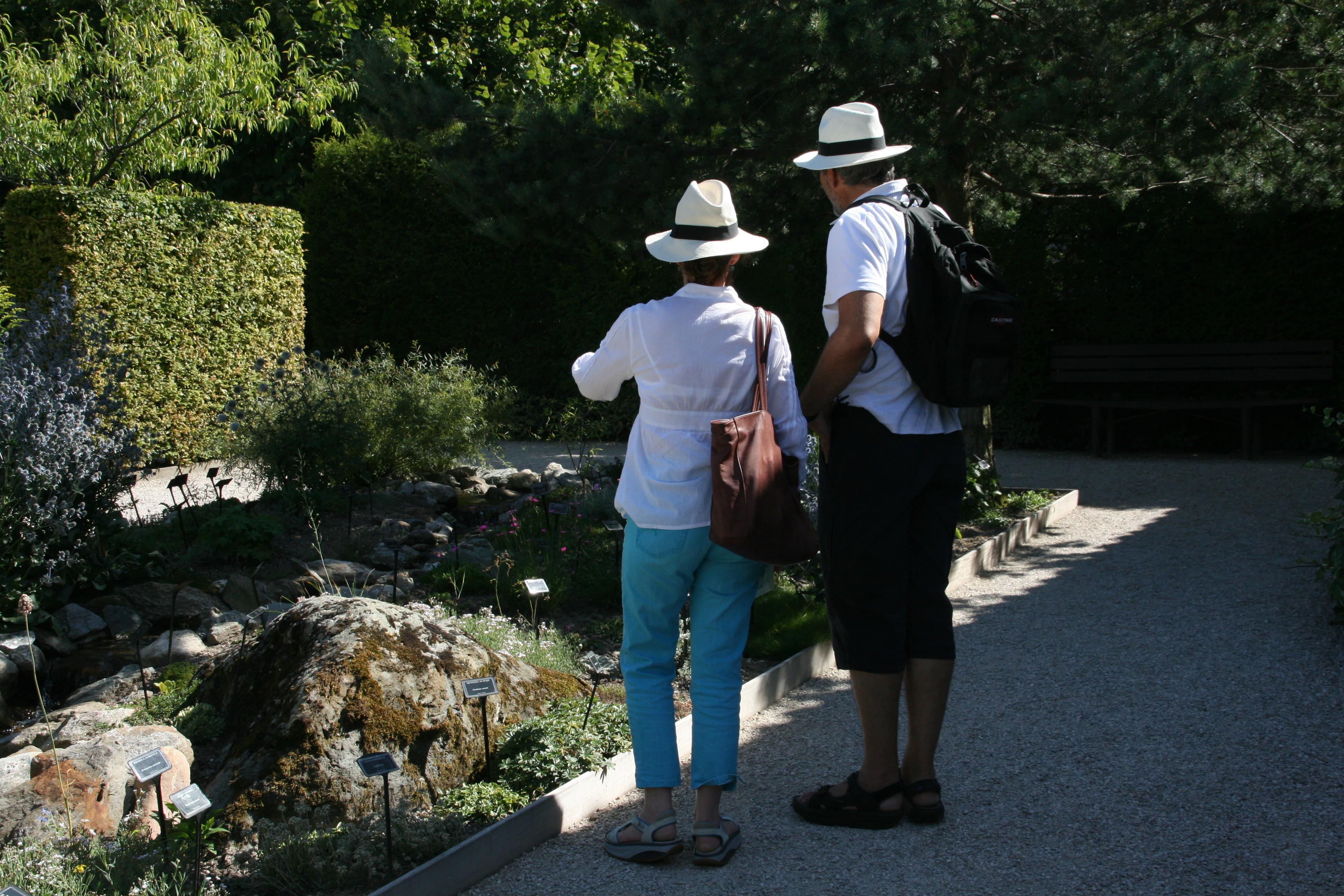 Jardin des cinq sens in yvoire french alps savoie mont for Jardin 5 sens
