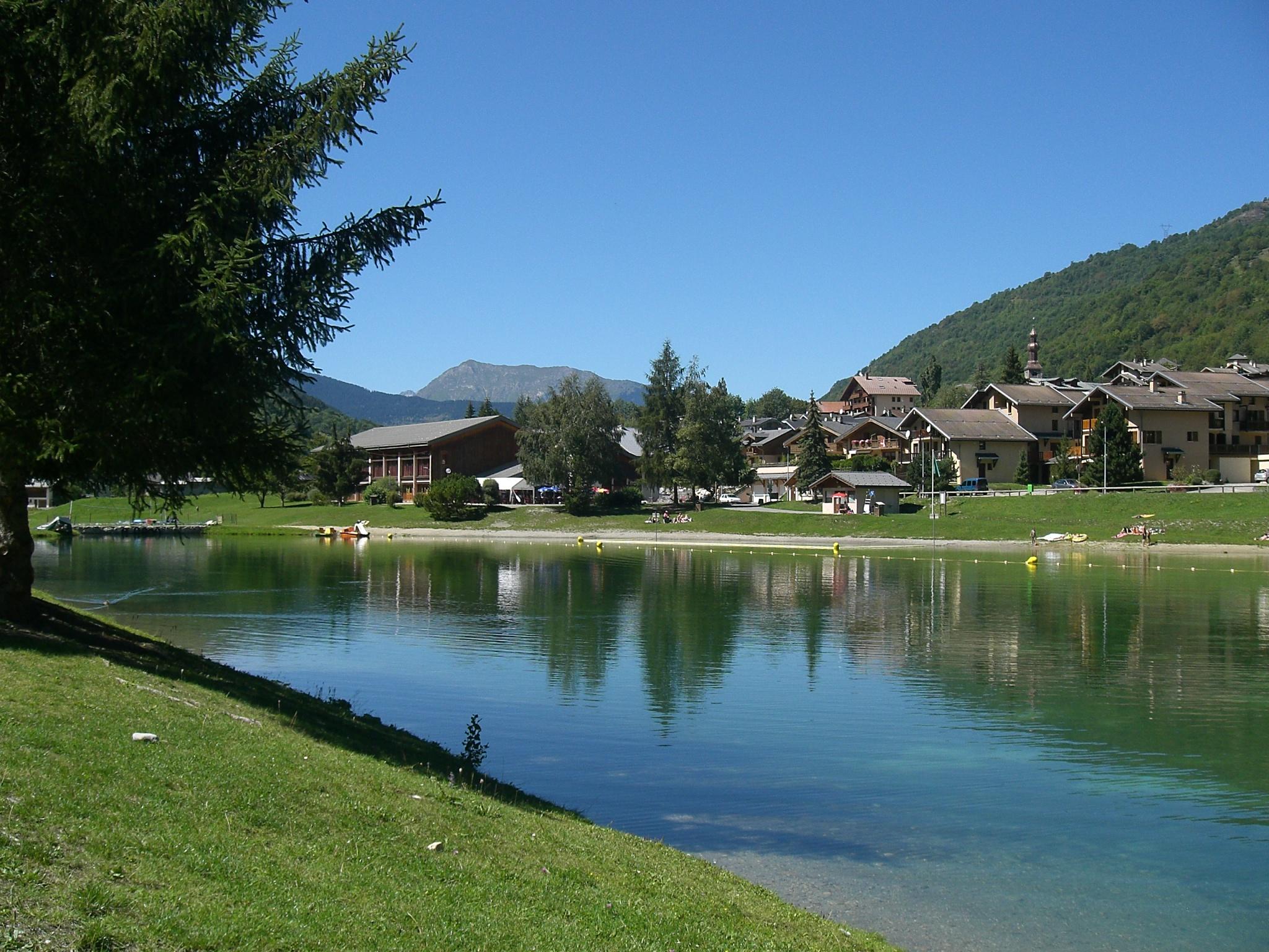 Bozel s lake in bozel french alps savoie mont blanc for Lake plan