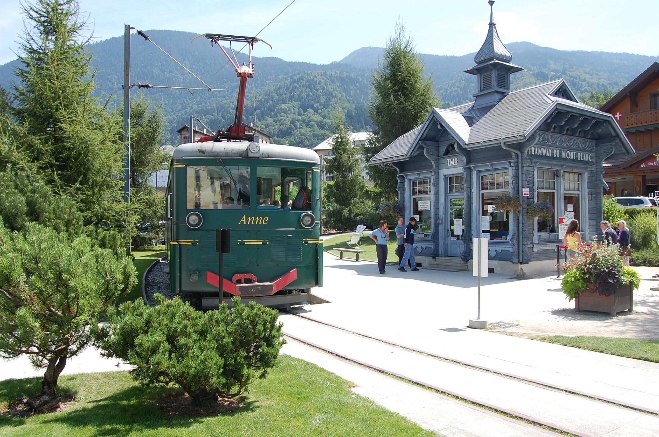 Tramway du mont blanc savoie mont blanc savoie et haute - Office tourisme saint gervais les bains ...