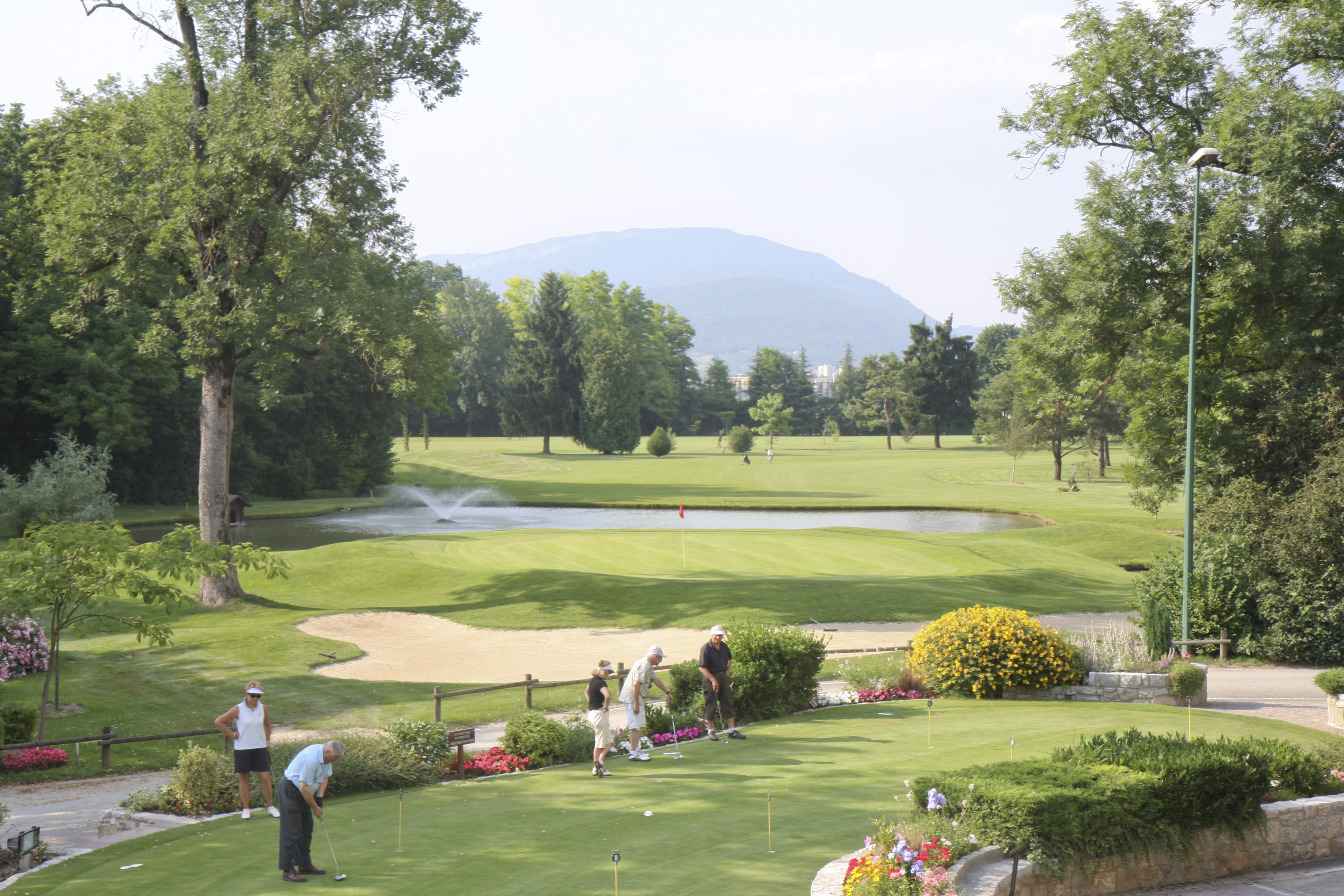 golf d 39 aix les bains savoie mont blanc savoie et haute savoie alpes. Black Bedroom Furniture Sets. Home Design Ideas