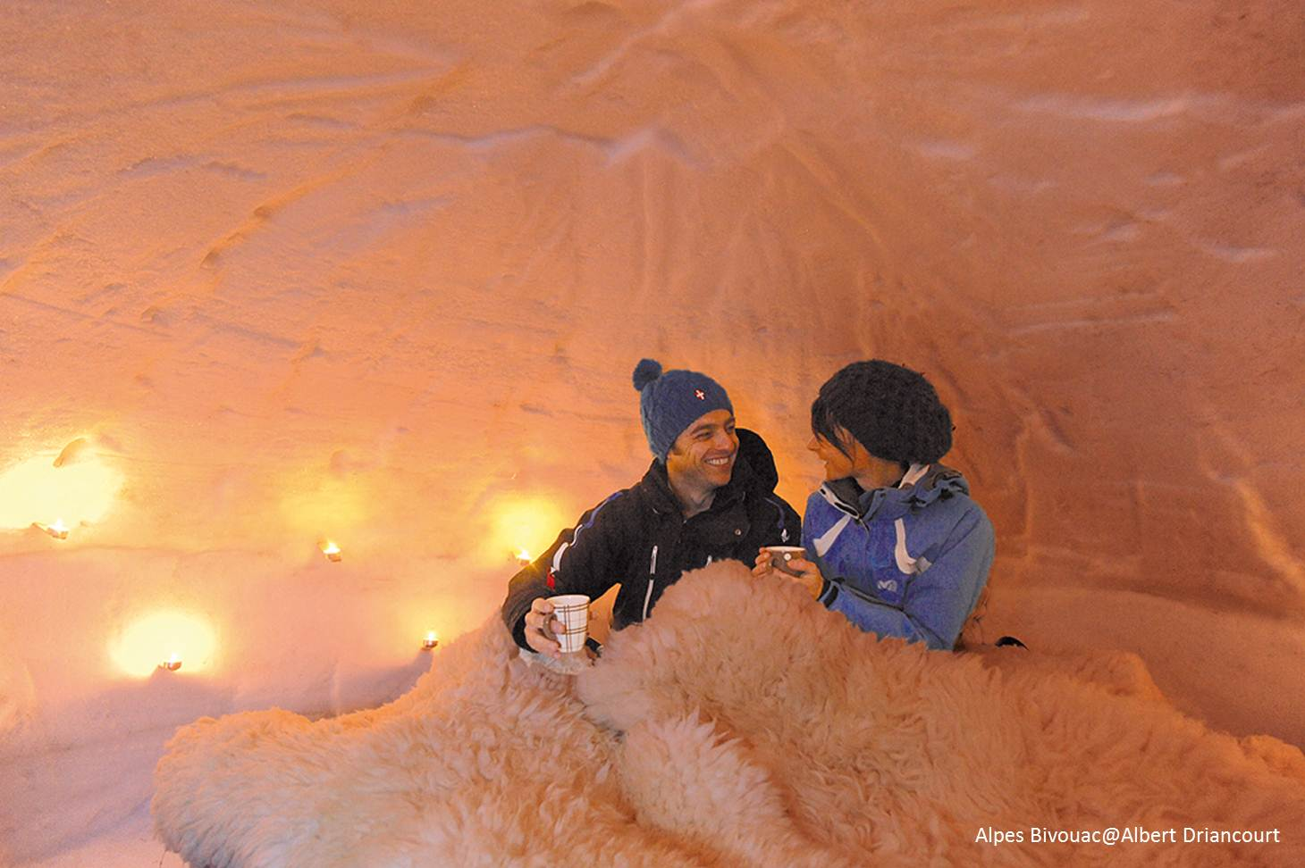 Nuit insolite en igloo l 39 co bivouac au semnoz annecy for Interieur igloo