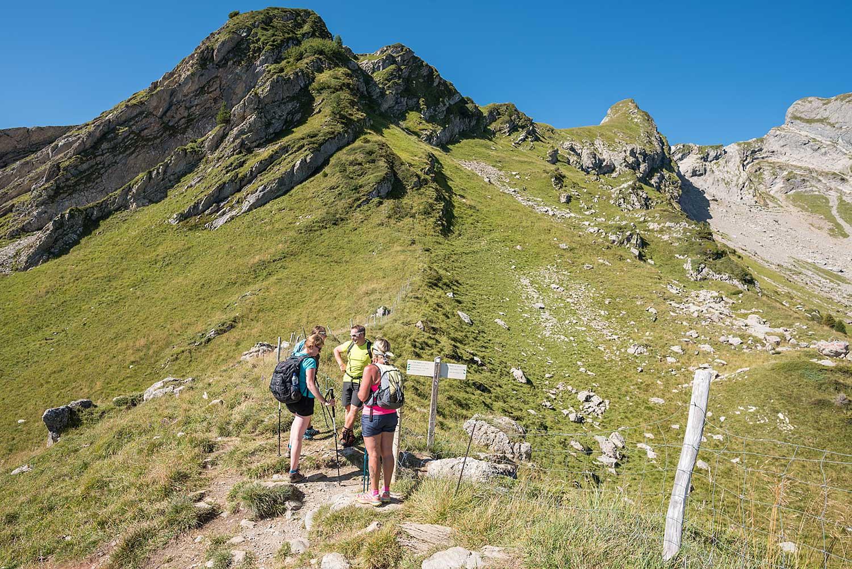 Au pied du roc d 39 enfer savoie mont blanc savoie et haute savoie alpes - Office du tourisme saint jean d aulps ...
